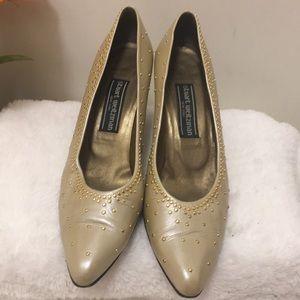 Stuart Weitzman size 8.5 heels